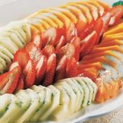 Salada de frutas com iogurte e hortelã