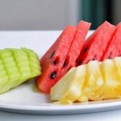 4 melhores frutas para desinchar a barriga